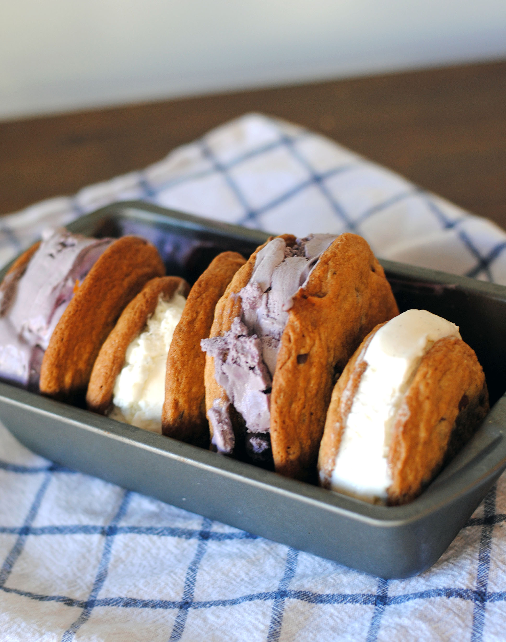 salted caramel ice cream sandwich 1