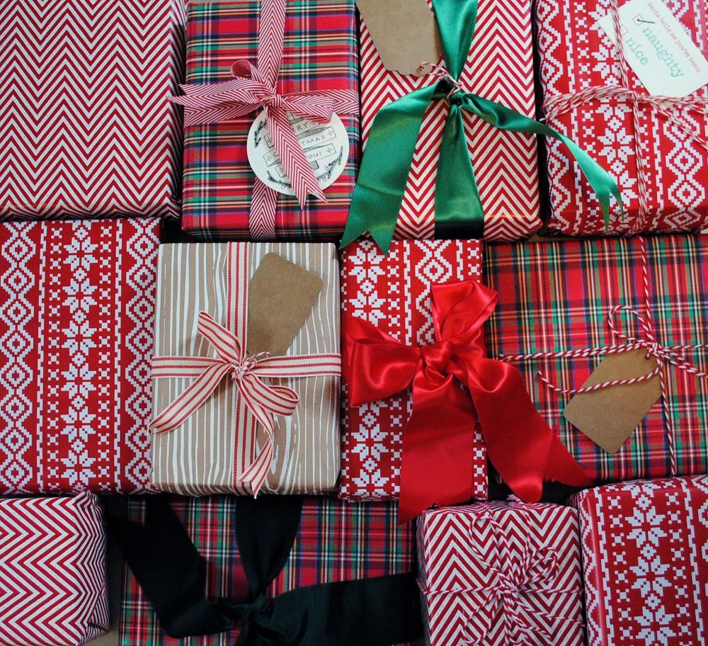DomestiKatedLife Christmas Wrapping 1