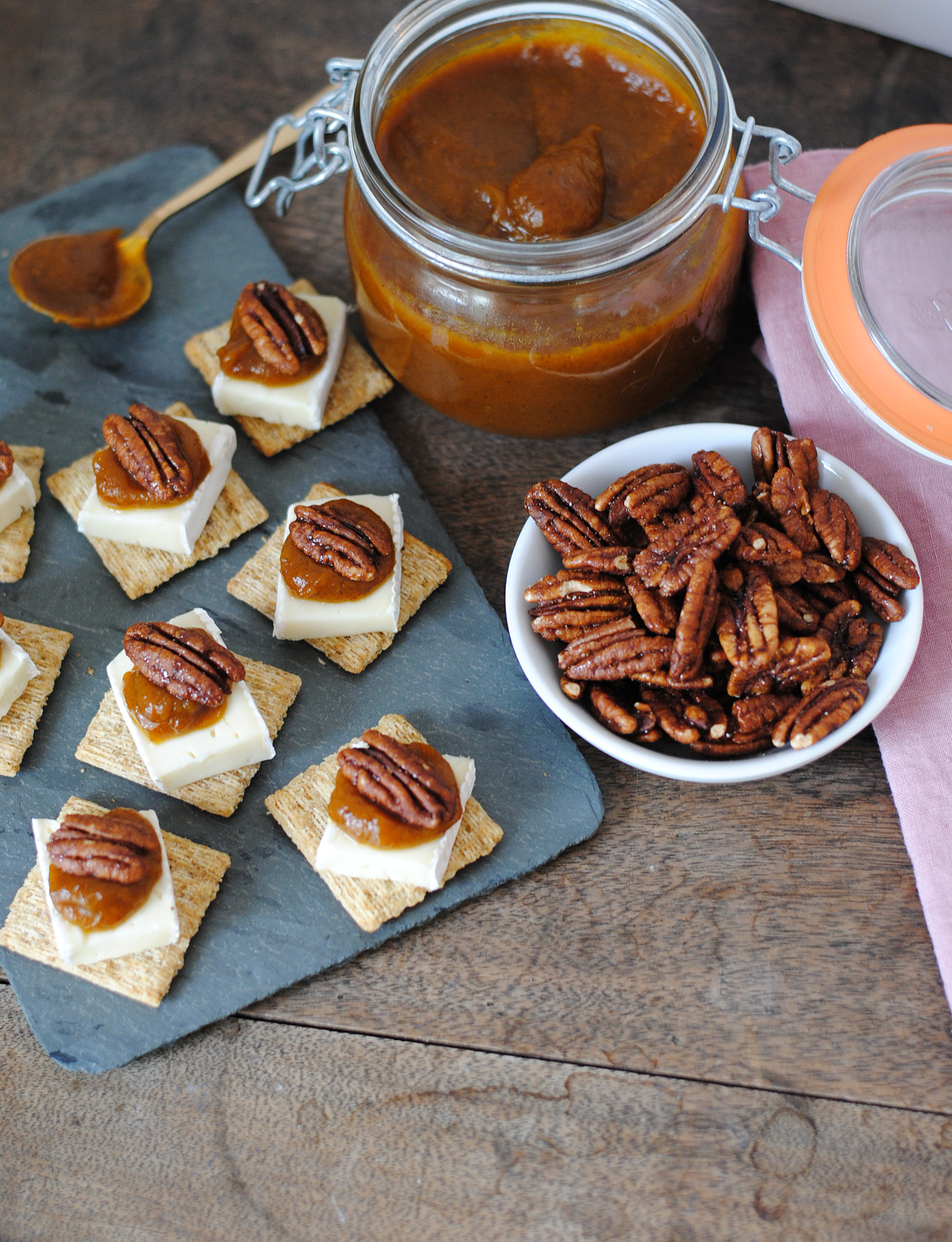 triscuit-pumpkin-butter-and-brie-bites-2