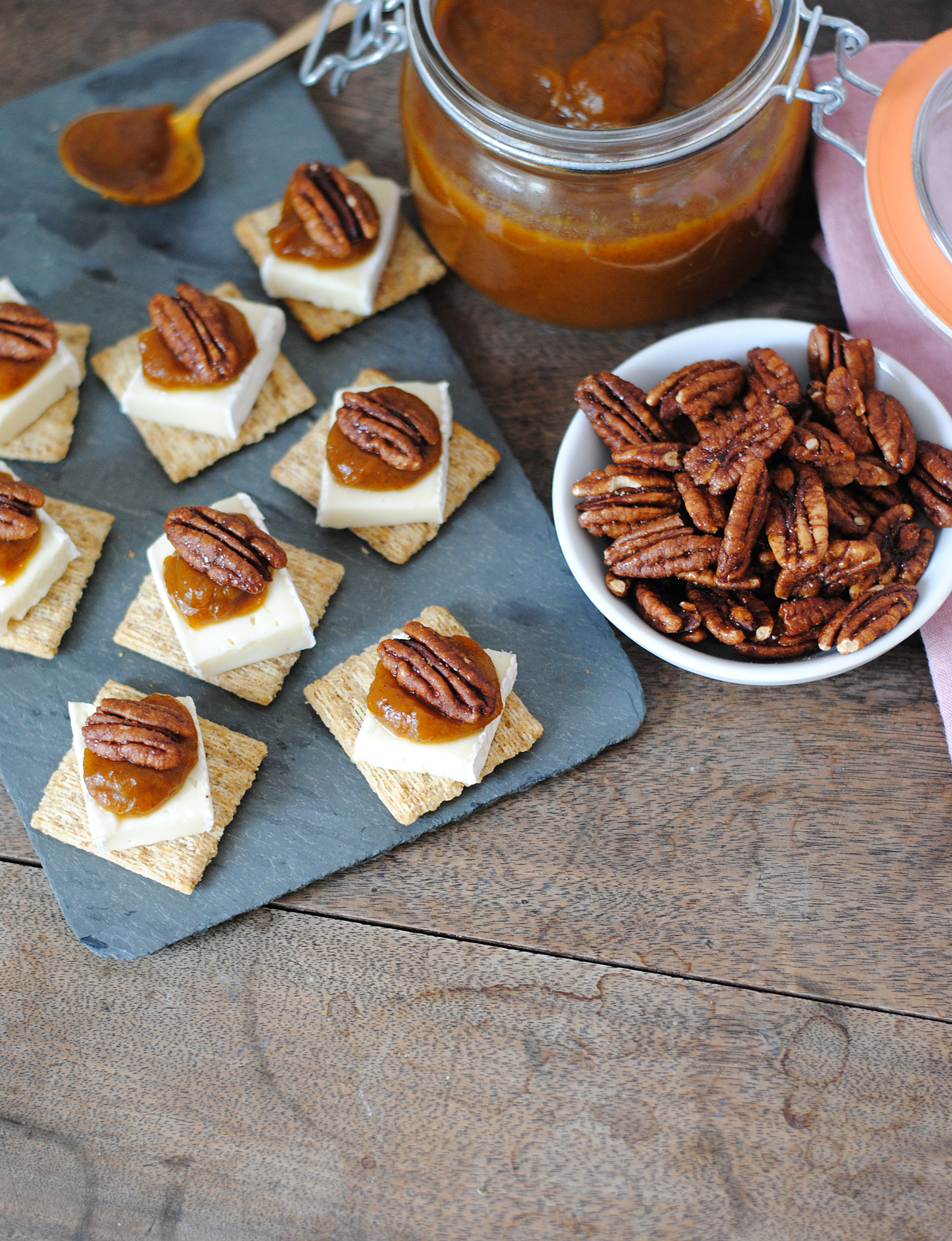 triscuit-pumpkin-butter-and-brie-bites-3